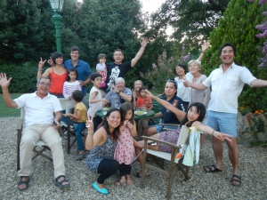again from France ( and Germany ) a wonderful big family , Phommavongsa group
